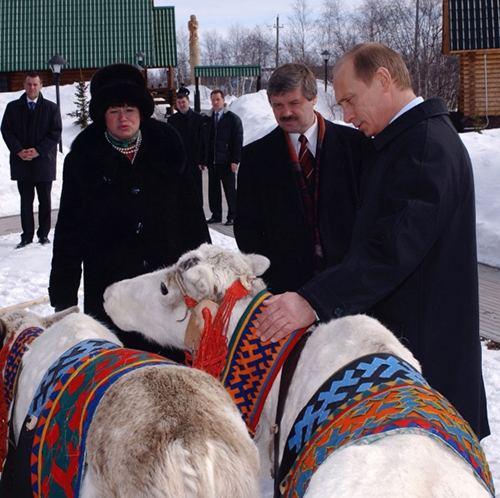 Путин и олень