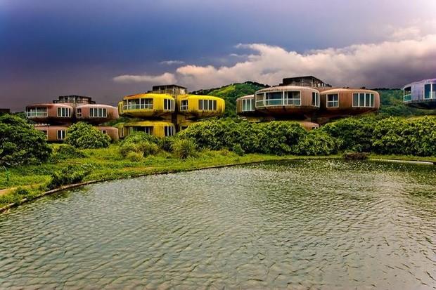 Город Сан Жи с домами-НЛО, Тайвань