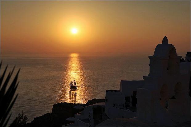 закат на острове Санторини