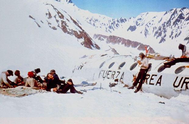 самолет из Уругвая в андах