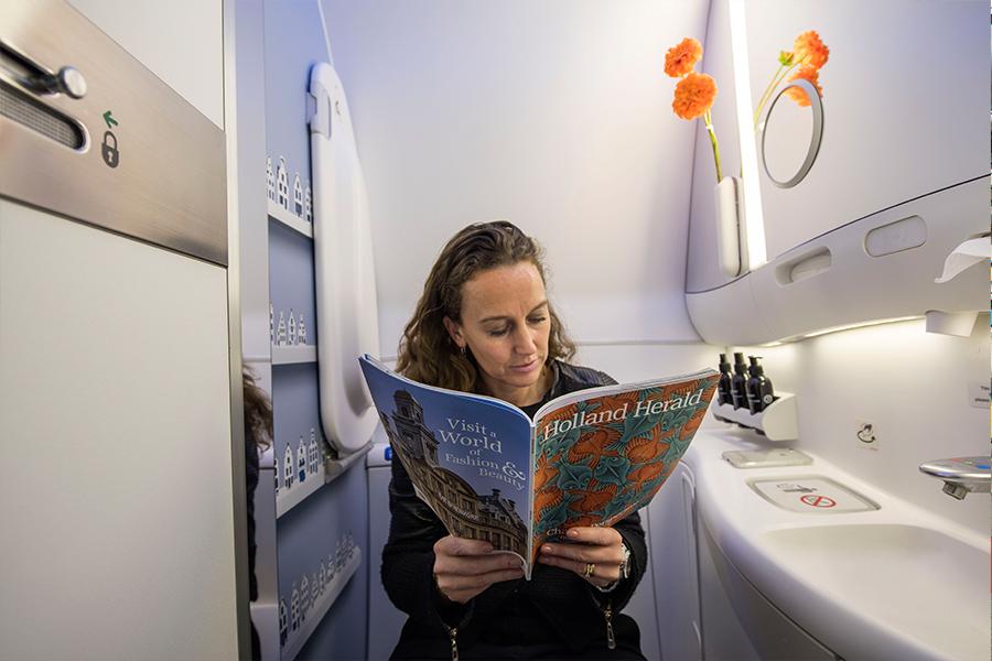 Как устроен туалет в самолете...
