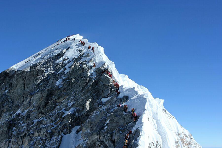 На Эвересте обвалились знаменитая ступень Хиллари