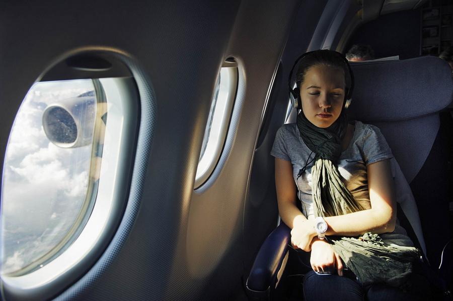 Как перенести долгий перелет: советы по выживанию