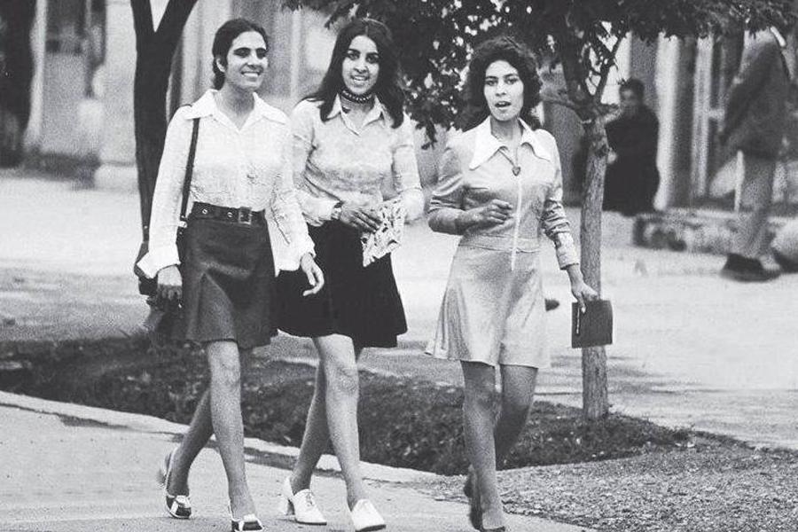 Девушки в Афганистане 45 лет назад и сейчас