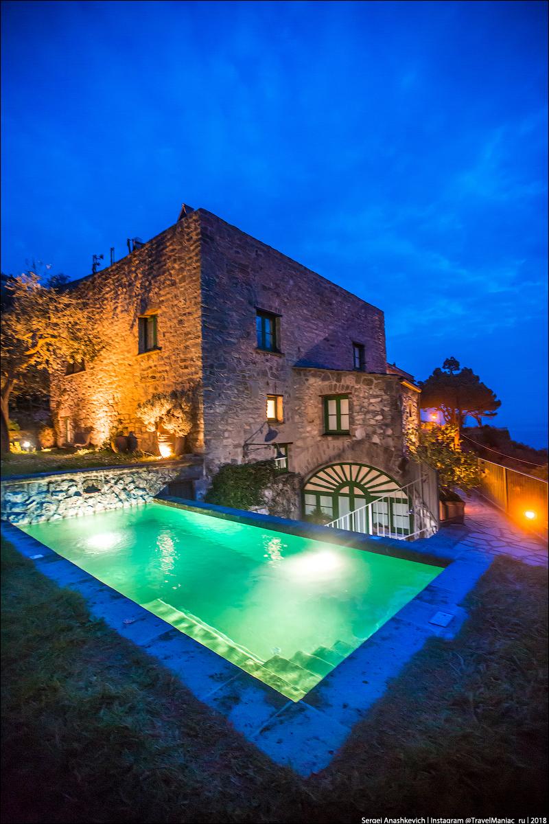 Почему я выбираю виллу в Италии, а не отели? Италии, вилла, сезон, отеле, останавливаешься, очень, просекко, Когда, аренды, бокалом, время, возможность, совершенно, может, виллы, трусах, какой, закат, отель, туристов