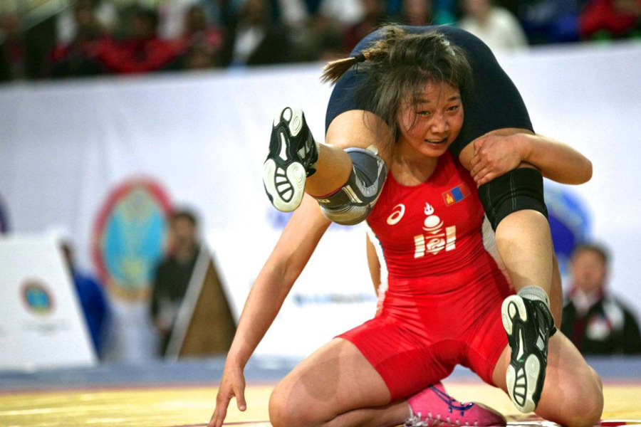 Современные монгольские девушки