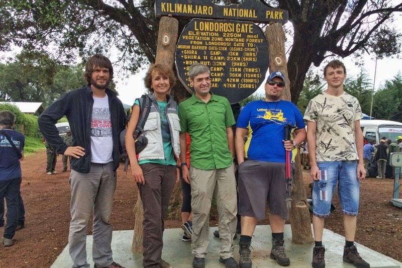 Начинаем с sergeydolya восхождение на Килиманджаро!