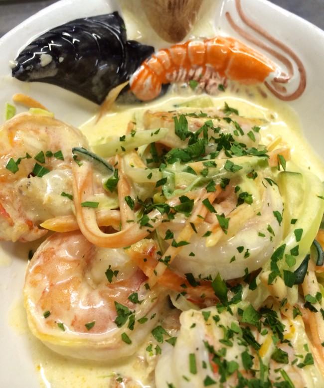 Соте из морепродуктов в сливочном соусе