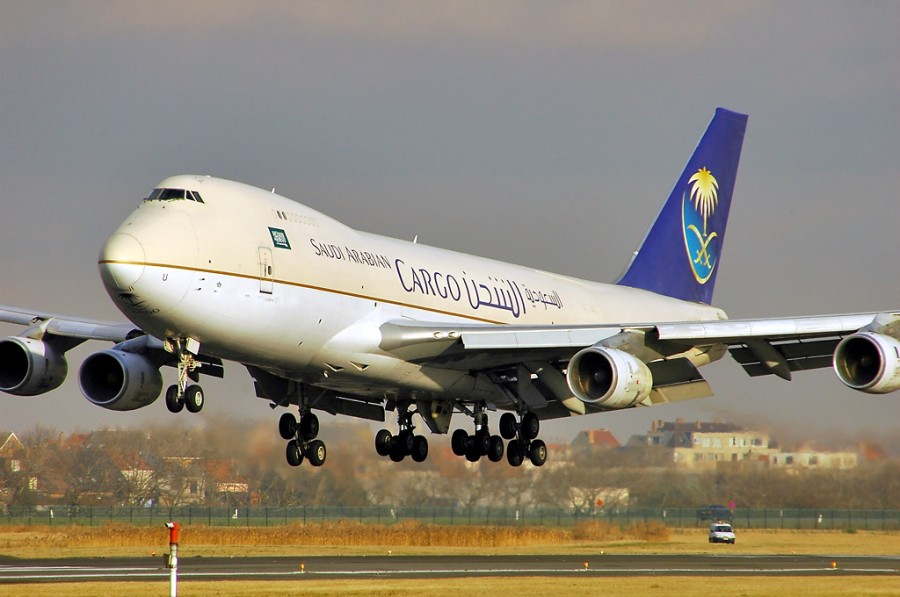 Boeing 747-268F HZ-AIU Saudi Arabian Airlines, Ostend 03.12.04