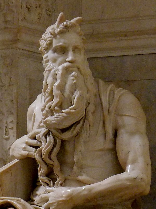 Moses_by_Michelangelo