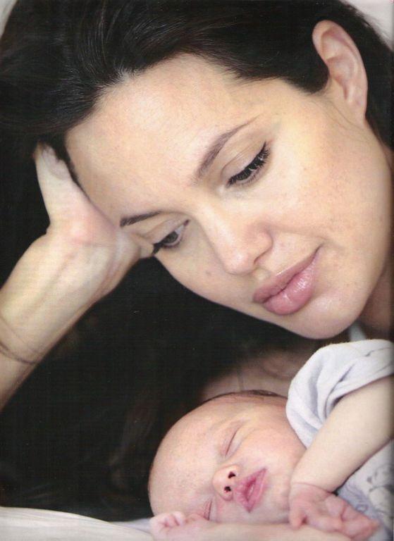 Анджелина-мама