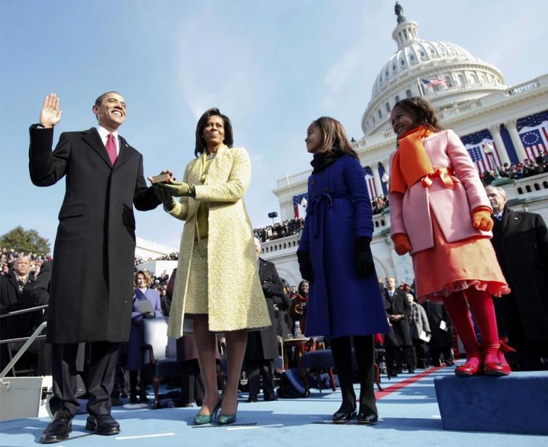 Барак Х. Обама принимает присягу