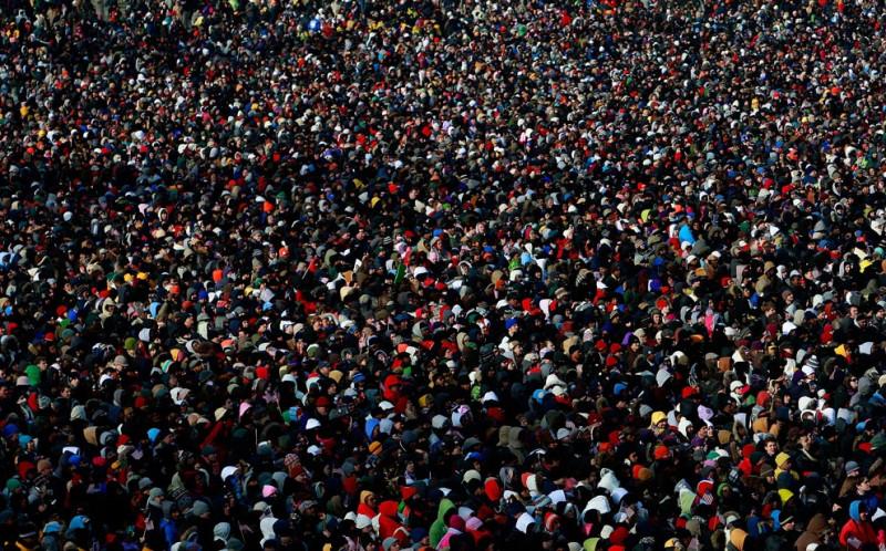 Люди собираются к инаугурации 44-го президента Соединенных Штатов Америки