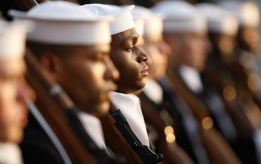 Члены Почетного караула ВМС США
