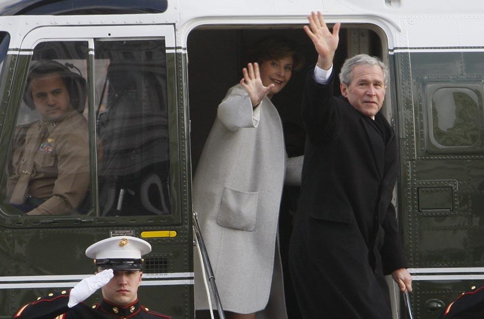 Бывший Президент Джордж У. Буш и Лаура Буш