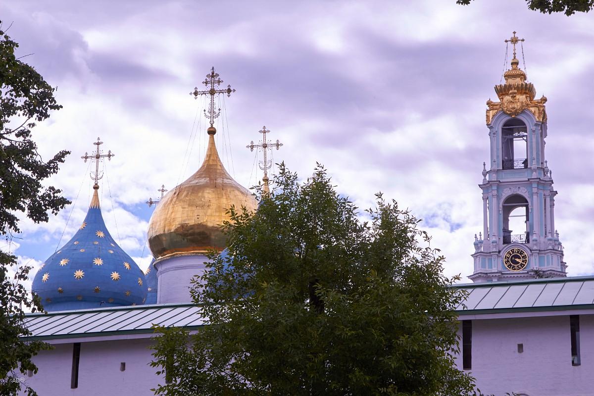 Свято-Троицкая Сергиева Лавра. Снаружи