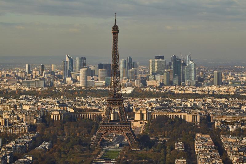 Париж 2018 — Виды с башни Монпарнас, крупные планы, Эйфелева башня