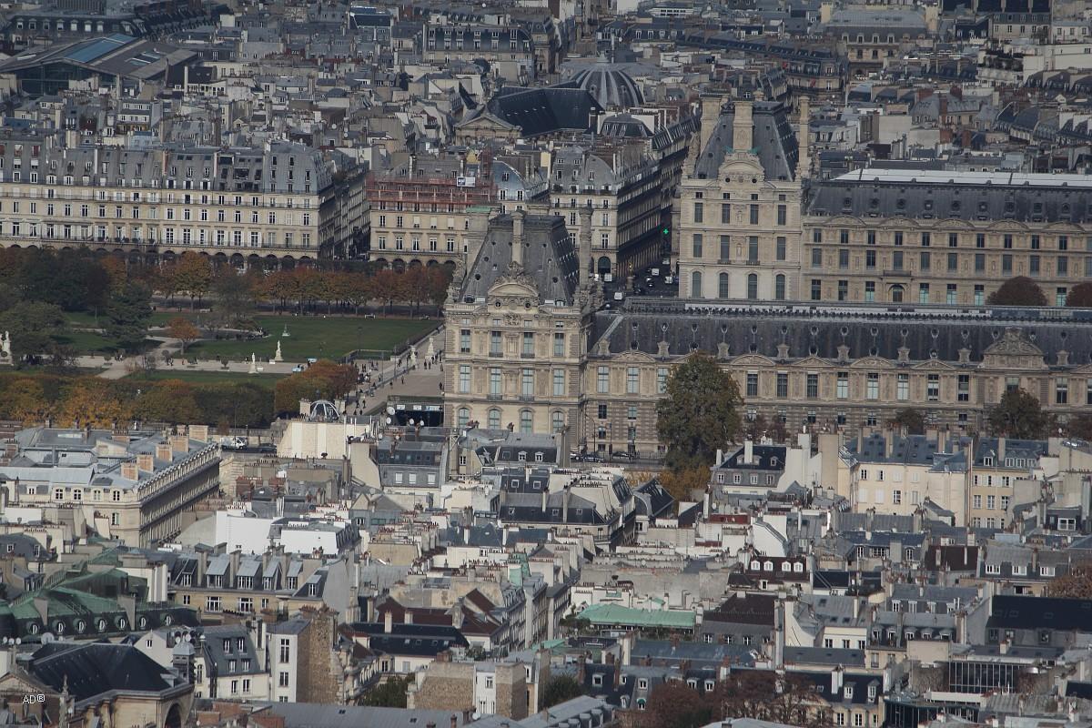 Париж 2018 — Виды с башни Монпарнас, крупные планы, Лувр