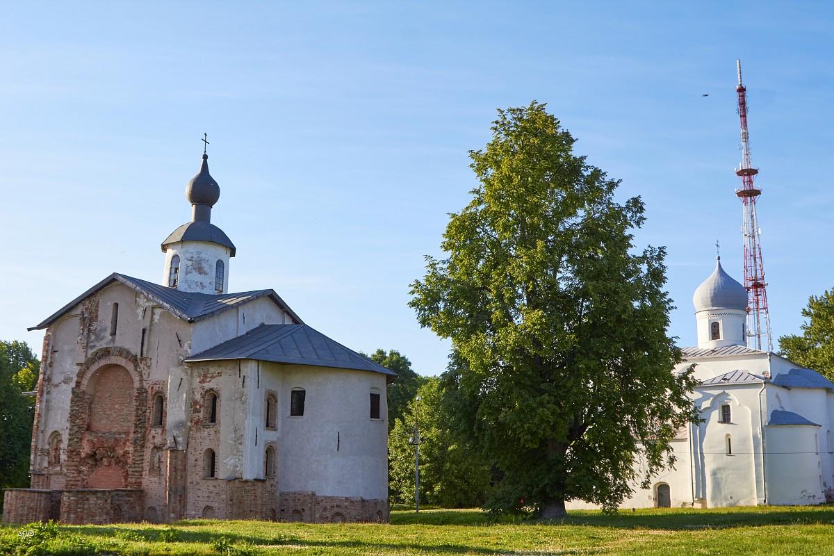 Церковь Параскевы-Пятницы на Торгу, 1207 г. и Церковь Успения Пресвятой Богородицы на Торгу, 1135 г.