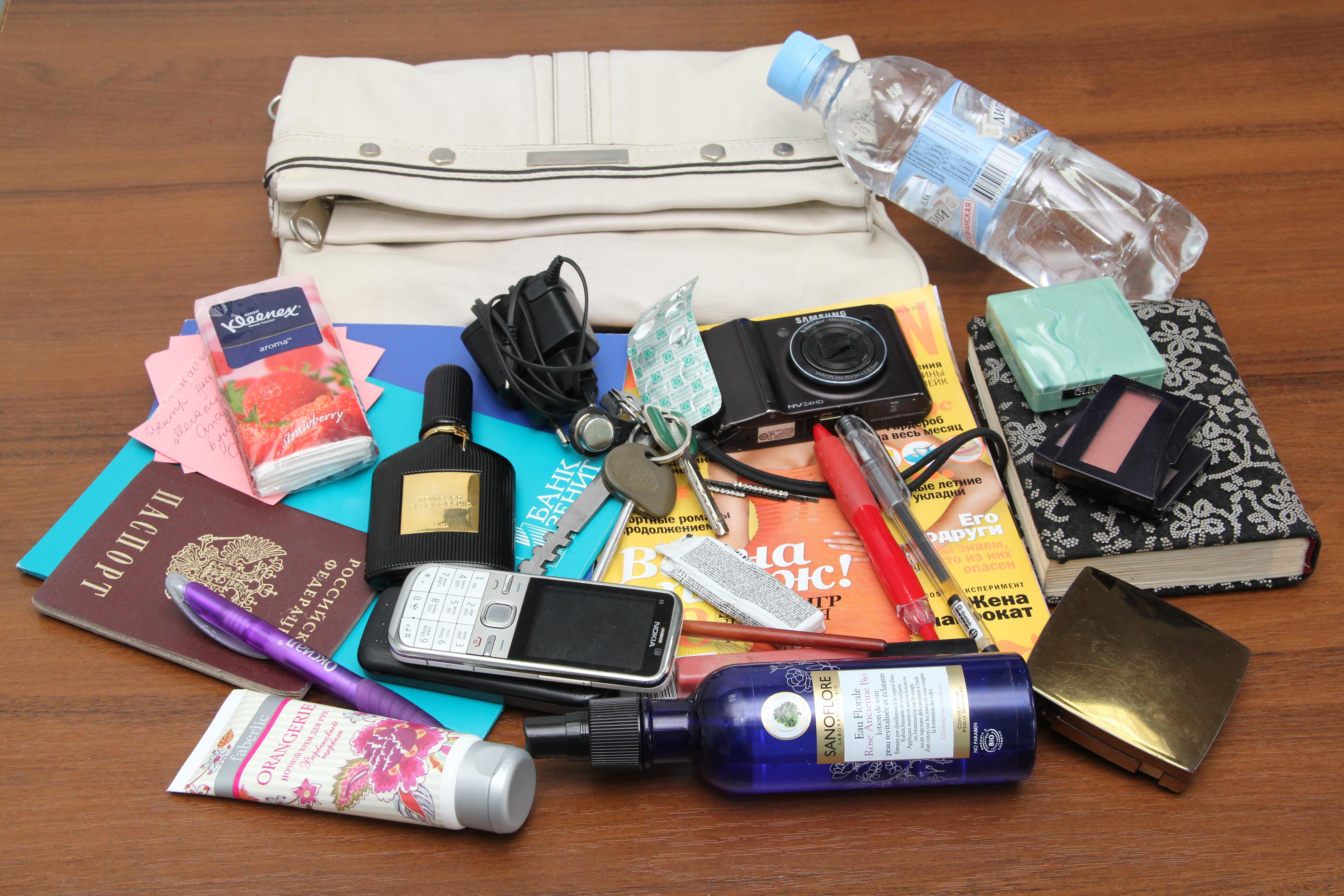 женская сумка содержимое (1)