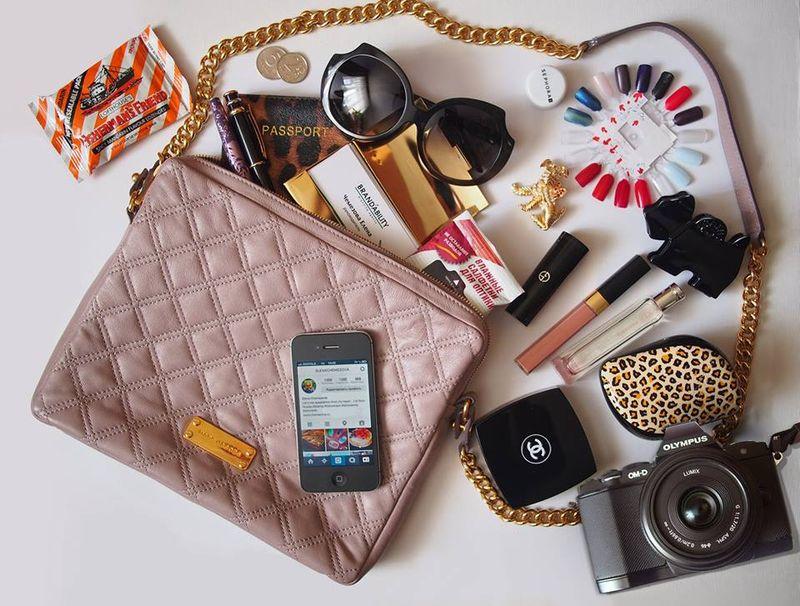 женская сумка содержимое (4)