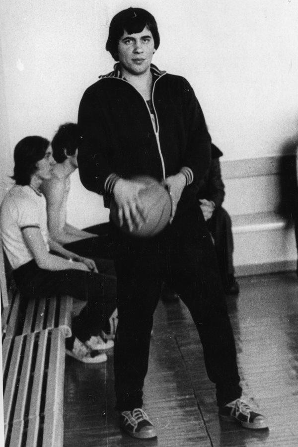 1976 с.к. Волна