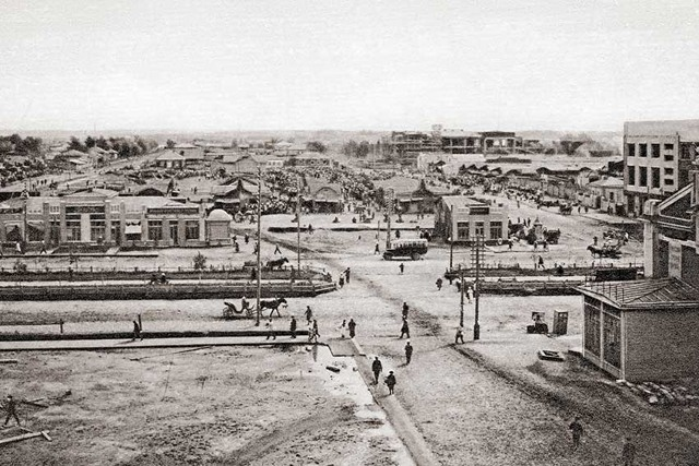 1920 г. - Площадь Ленина (она же Базарная, Ярмарочная, Красная, Жертв Революции)