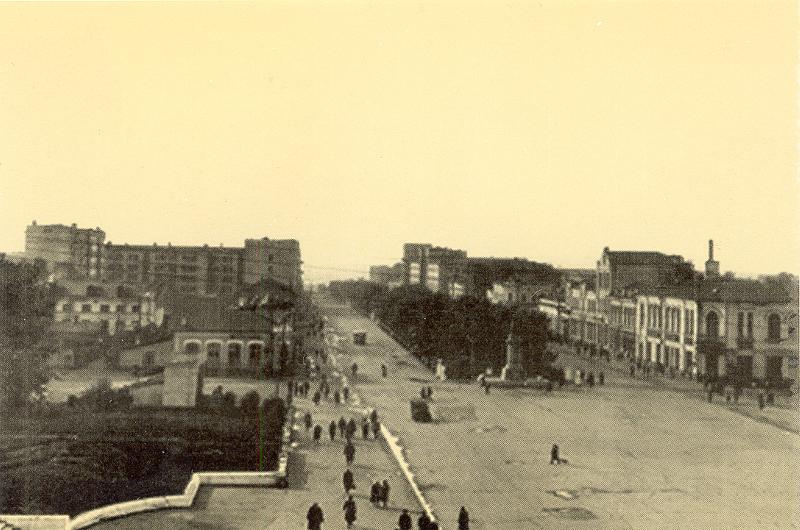 Красный проспект, начало 1940-х