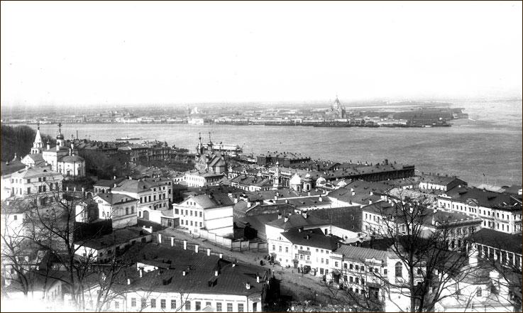 Вид на Стрелку и Козьмодемьянскую (ныне Рождественскую улицу)