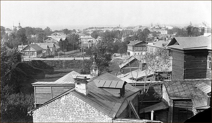 Вид на ул. Полевую (ул. Горького), 1890-e гг