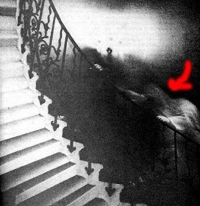 призрак на лестнице в национальном музее гринвича
