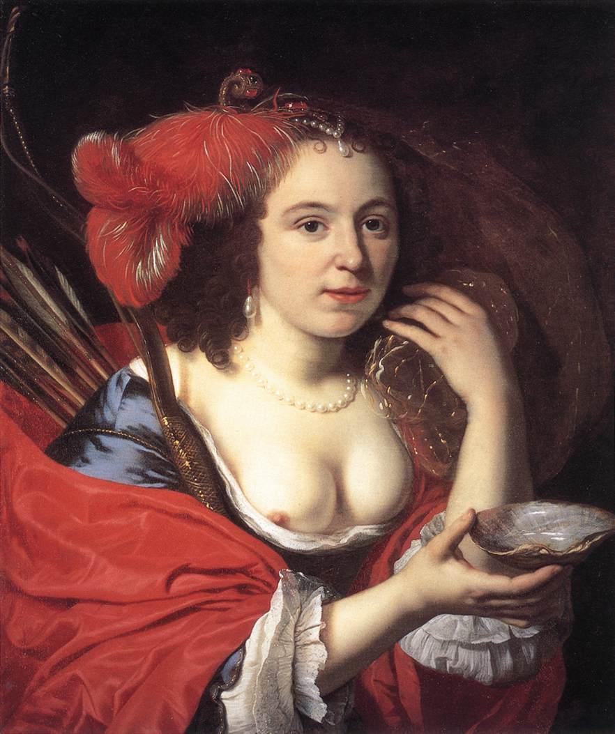 женское платье с полностью открытой грудью