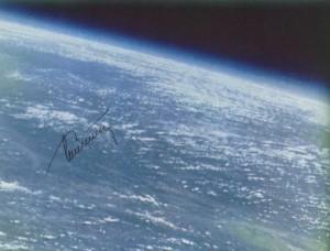 Первая ручная фото- и видеосъемка планеты Земля
