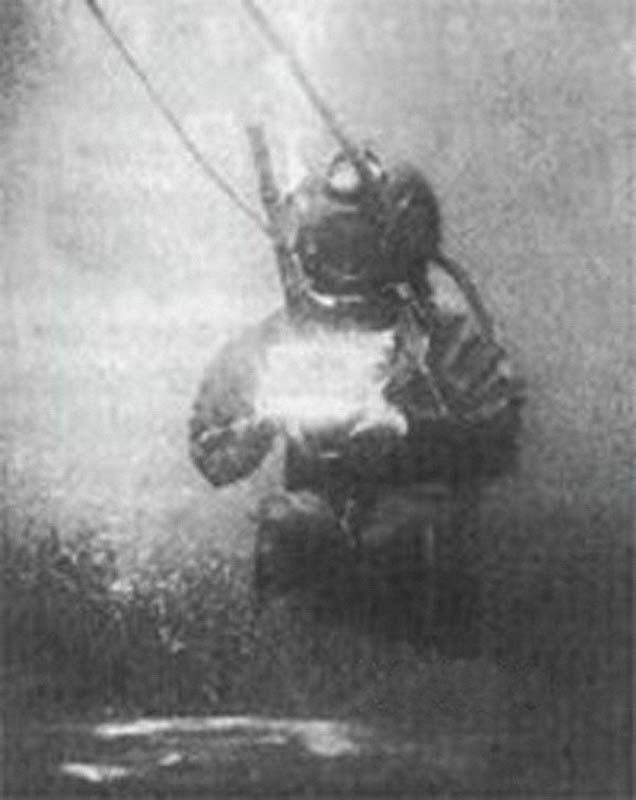 первый подводный снимок