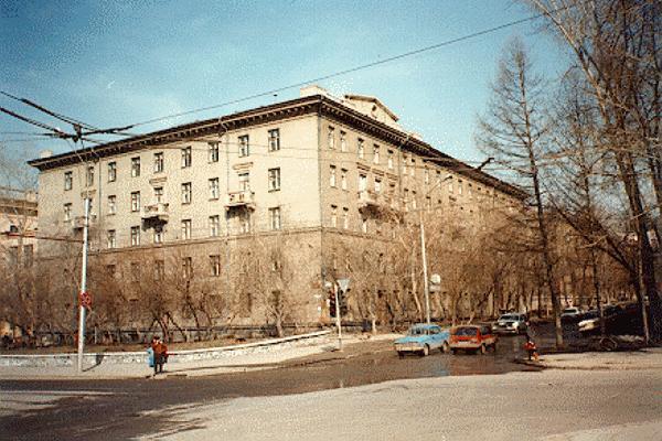 Красный проспект, 80 (Достоевского, 11)