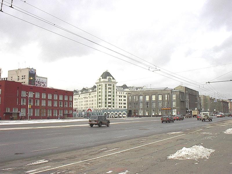 Опять Площадь, но уже с Болгарским домом