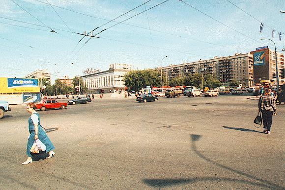 Пересечение проспекта Димитрова и Вокзальной магистрали
