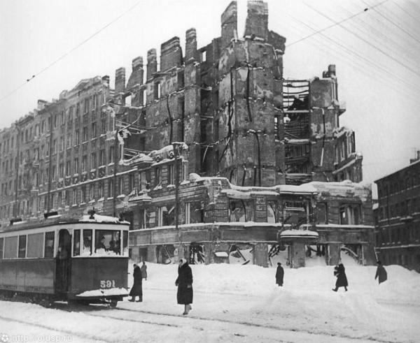 Разрушенный жилой дом на Лиговском пр.