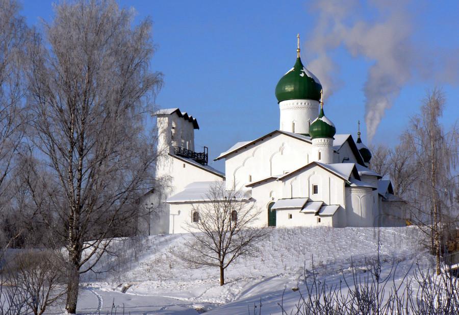 3. Церковь Богоявления с Запсковья в зимний день (январь 2010) 2.jpg