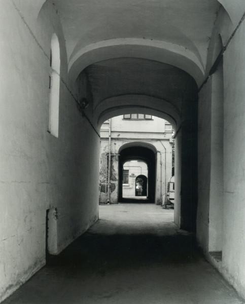 109393 Староконюшенный переулок, арка дома №41.jpg