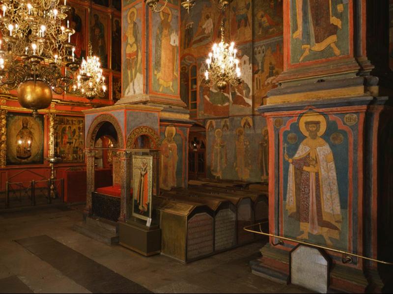 Этот собор стал усыпальницей русских князей и царей