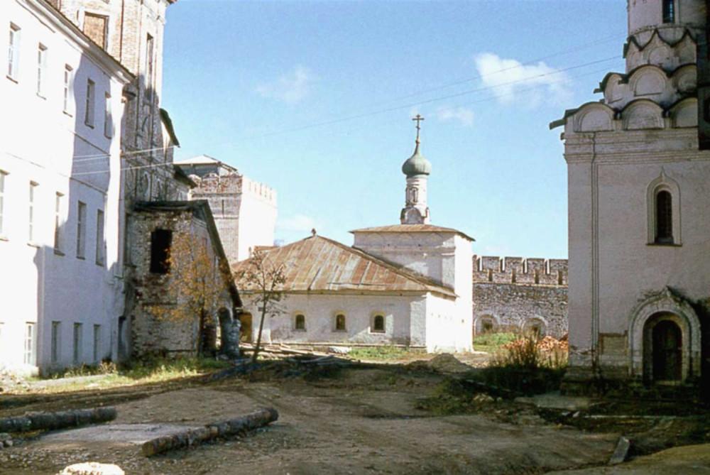 205741 Ильинская церковь с больничной палатой Пафнутьев Боровского монастыря.jpg