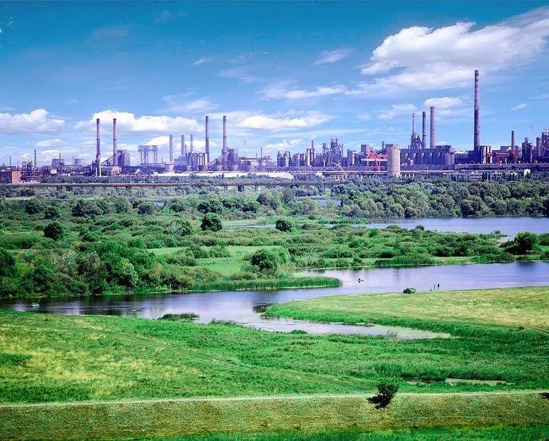 Новолипецкий металлургический комбинат - промышленный гигант в самом сердце России