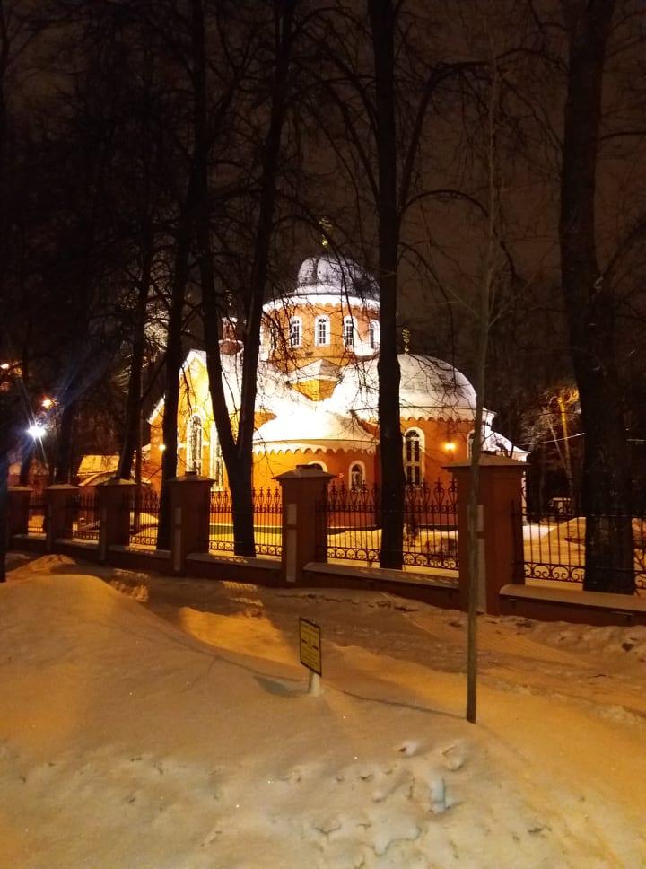 Храм святых Адриана и Натальи в Бабушкине