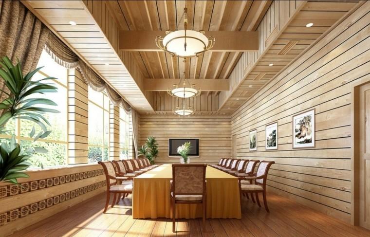 Пример использования дерева в интерьере здания