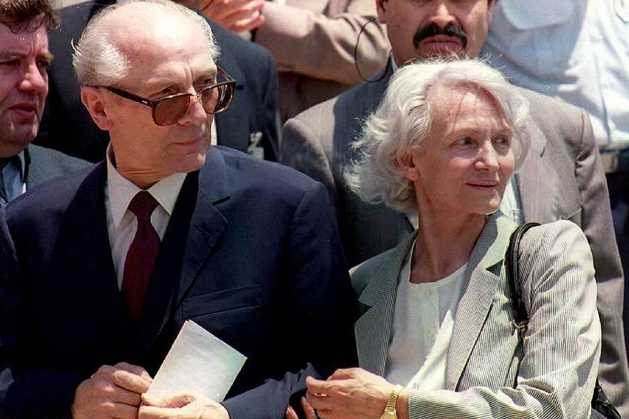 Эрих Хонеккер: Горбачёв - буржуа от перестройки, предатель, подлец