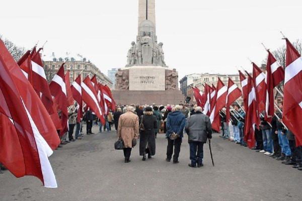В Латвии трудно устроиться на работу без знания русского