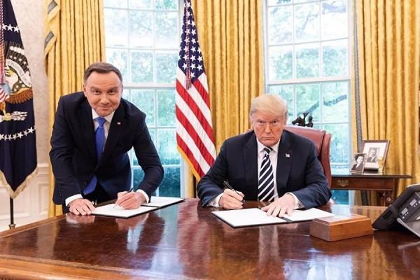 США нагнули Польшу: вместо базы — реституция еврейского имущества