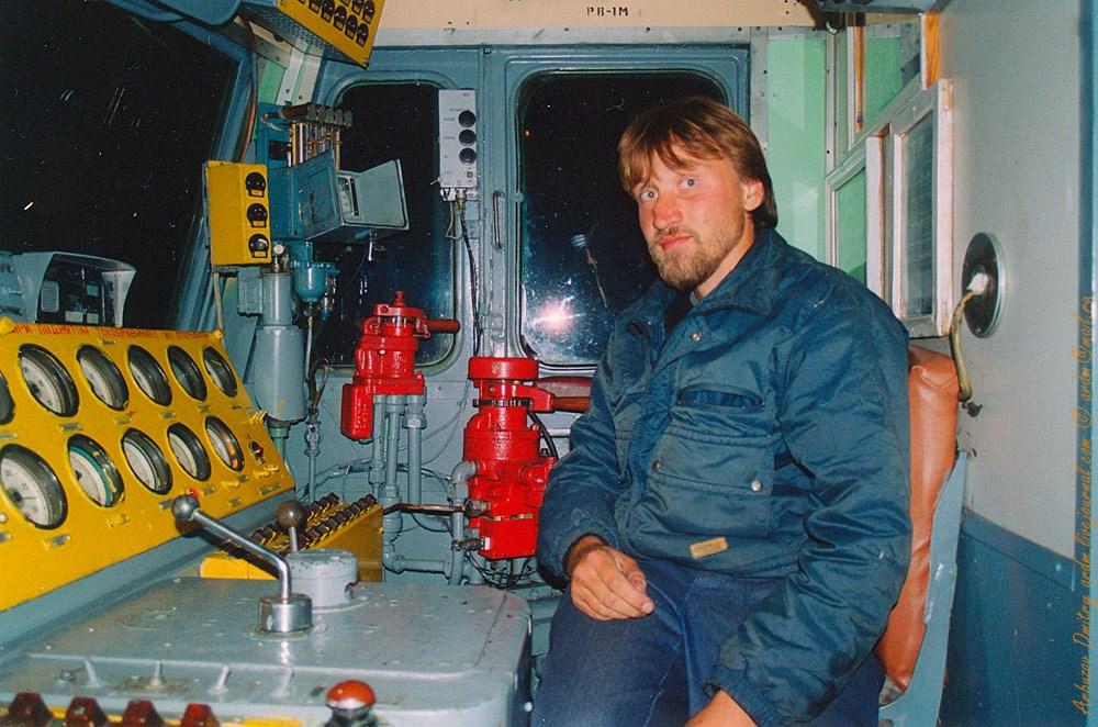 Я в электровозе на БАМе в 2001
