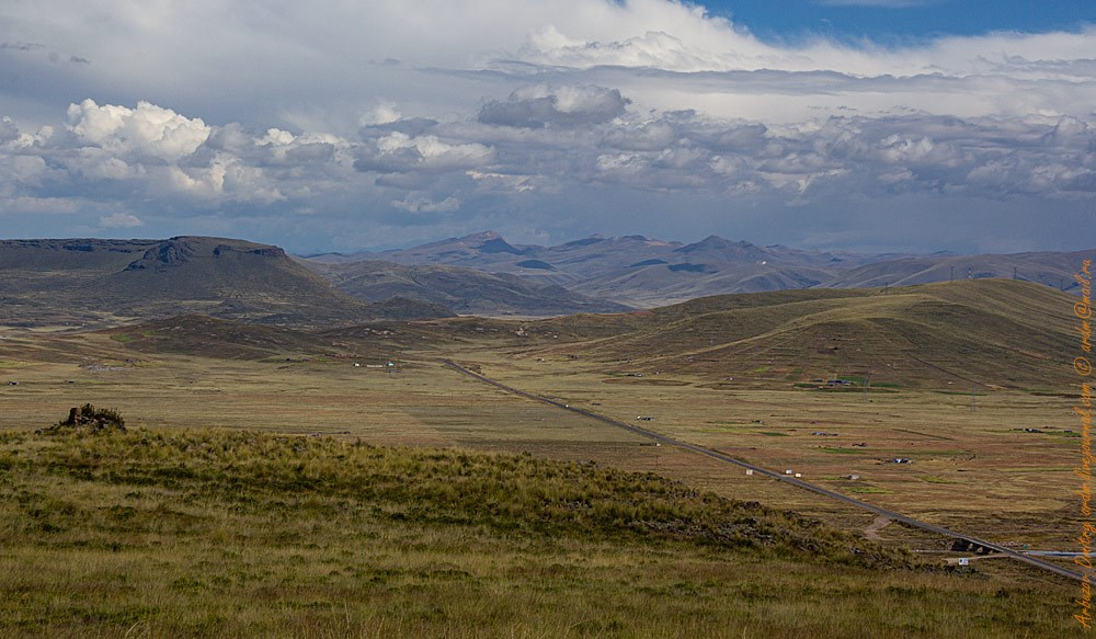 Руины чульпы и вид на Перу